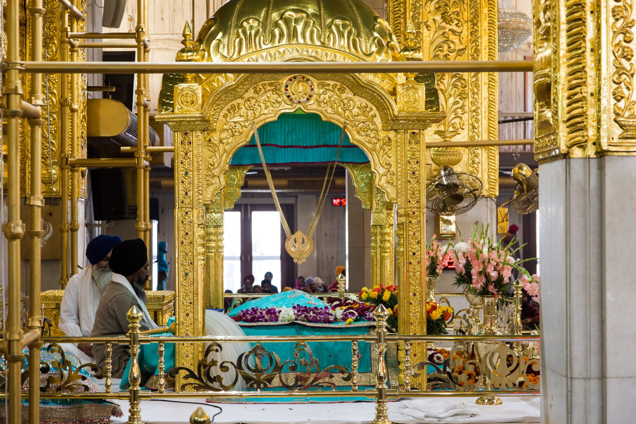 Religious Landmarks of India gurudwara-bangla-sahib-in-delhi