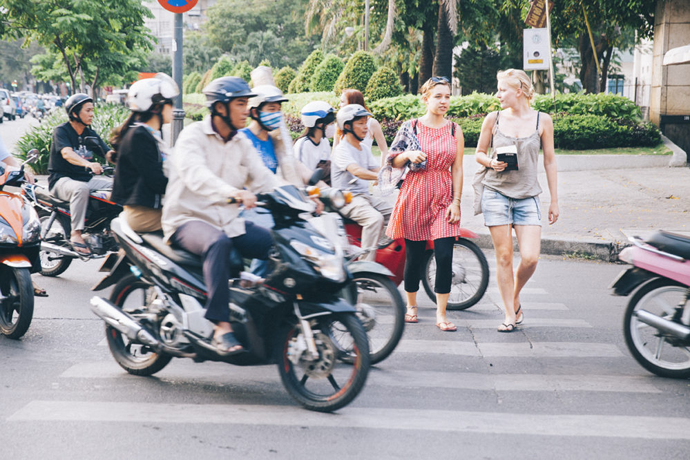 travel-in-vietnam-dos-and-donts-in-vietnam-tourists-crossing-roads-newway-travel
