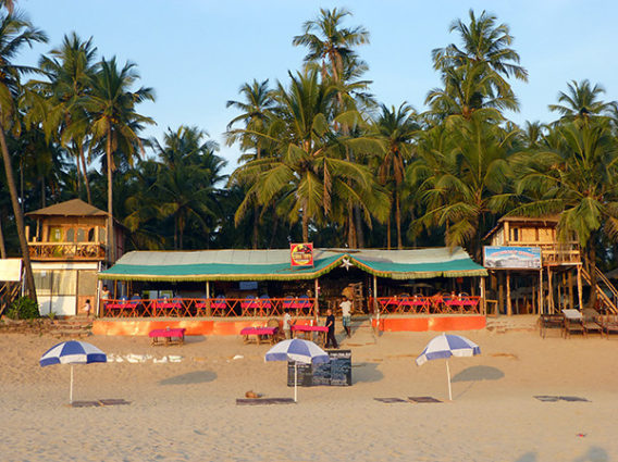 Restaurant on Palolem Beach (Goa)-M